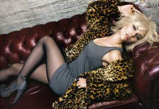 05485 Scarlett Johansson Mango Promoshoot-2009 007 122 405lo5B15D