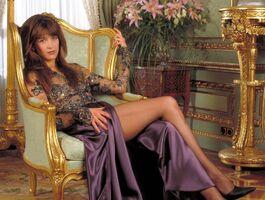Sophie-Marceau-Elektra-King-bond-girls-32542432-1460-1100