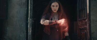 Wanda Maximoff Los Vengadores La Era de Ultrón 2