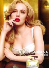 Scarlett-Johansson-Cleavage-002