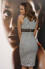 Halle berry cleavage and ass at premiere 008