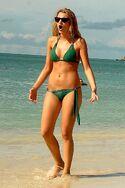 Blake-lively-bikini-pictures-with-maria-menounos3