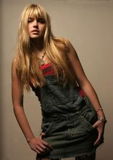 Aimee-teegarden-mitchell-mccormack-5
