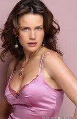 Carla-Gugino-Pink-Dress-Photoshoot-carla-gugino-8978490-390-600