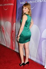 Aimee-Teegarden-At-The-2011-Winter-TCA-Press-Tour-All-Star-Party-In-Pasadena-01