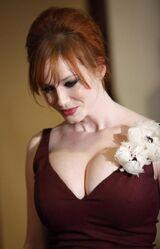 Christina-hendricks-big-cleavage-dga-awards-3