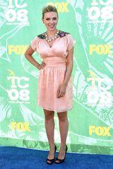 Scarlett-johansson-photos-in-pink-dress-4