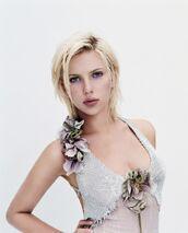 Scarlett LookingRadiant