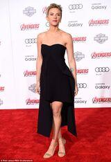 Not quite an Angelina Scarlett Johansson 30 flashes leg