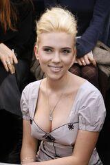 Scarlett Johansson scarlett-johansson-louis-vuitton-fall-winter-2007-2008-collection-23