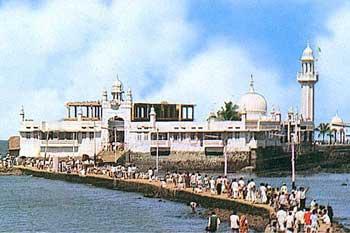 Mumbai-haji-ali-Dargah