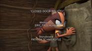 A politica da porta fechada titlecard