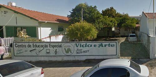 Entidades - Centro de Educação Especial Vida e Arte - fachada2