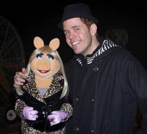Perez-hilton-and-miss-piggy