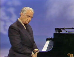 Victor Borge falls asleep short long