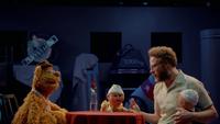 MuppetsNow-S01E06-FozzieAndSethRogen