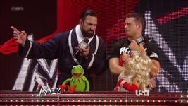 WWE-TributeToTheTroops-09-(2012-12-19)