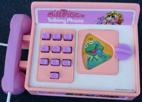 Miss piggy talking phone 2