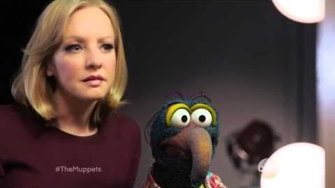 Wendi McLendon-Covey and Gonzo The Muppets ABC Promo
