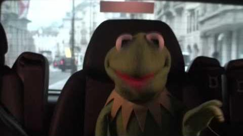 Kermit Answers Twitter about a Miss Piggy marriage..