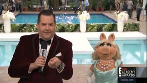 Miss Piggy on E Countdown to the Red Carpet 2014