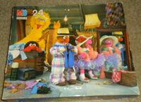 Milton bradley 1992 sesame puzzle dress-up