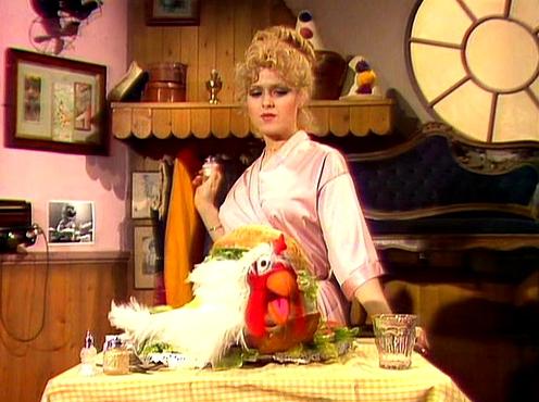 File:Bernadette-peters-chicken.jpg