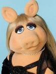 TF1-MuppetsTV-PhotoGallery-21-MissPeggy