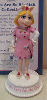 Hamilton collection 2007 miss piggy nurses are so sty-lish figurine moi calls the shots