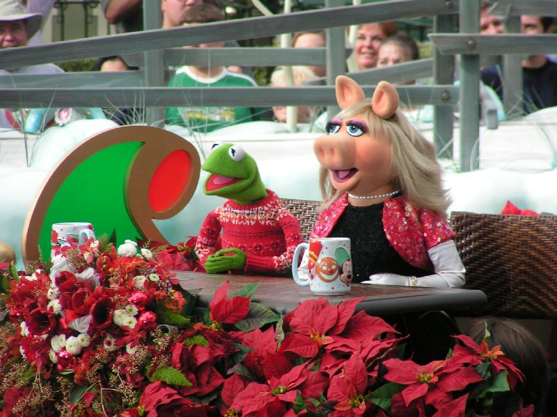 Christmas Day Parade.Disney Parks Christmas Day Parade Muppet Wiki Fandom