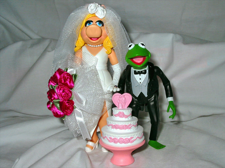 Kermit and miss piggy wedding gifts