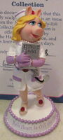 Hamilton collection 2007 miss piggy nurses are so sty-lish figurine moi's heart is off the chart
