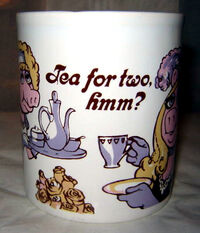 PIGGY ANNIE Mug2