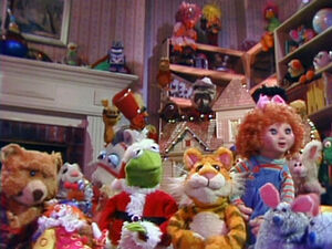 the christmas toy aired on abc on december 6 1986 it was later adapted into a storybook in 1987 - Christmas Toys