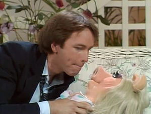 John Ritter advances on Piggy