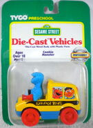Tyco matchbox 1996 die-cast car cookie monster bus