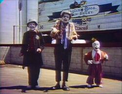 Film-TallSmallClowns