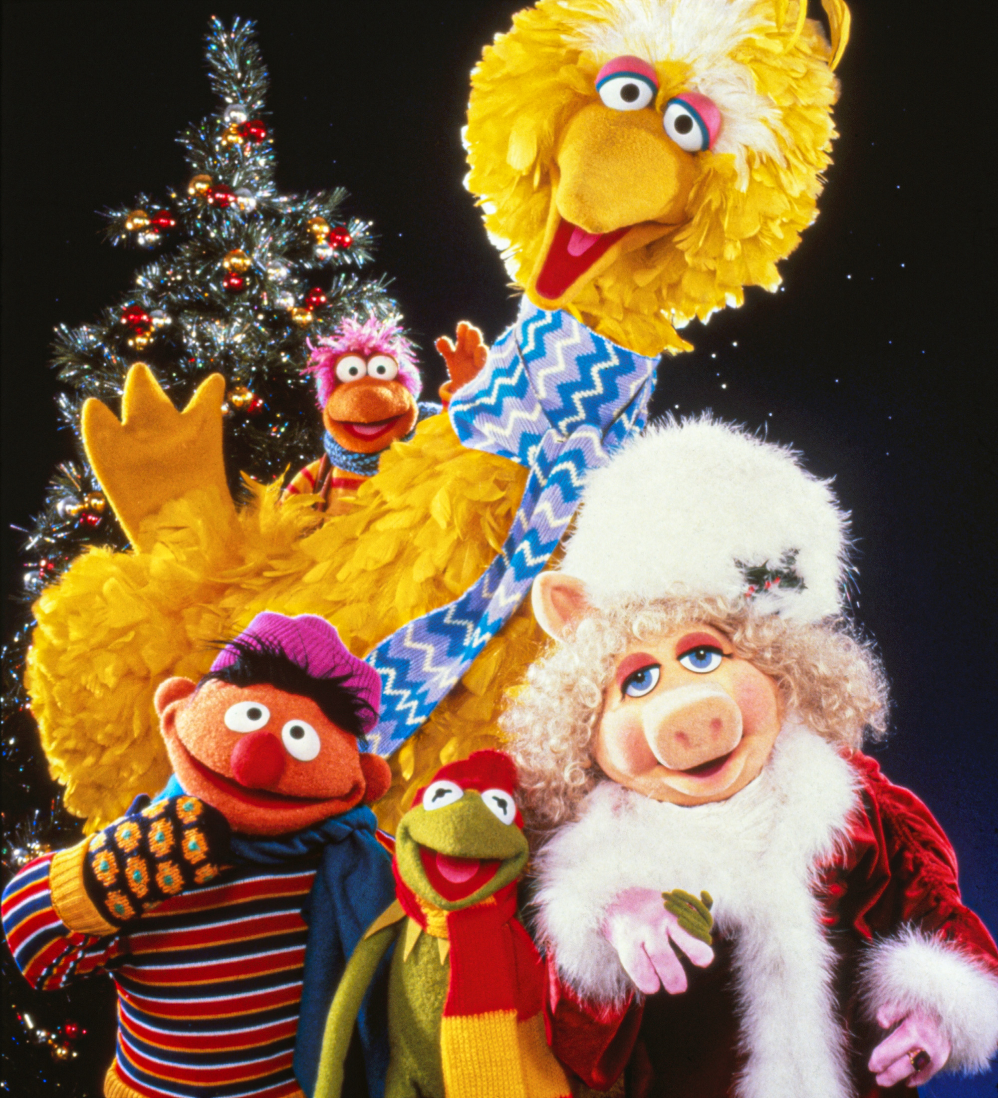 a muppet family christmas is a tv special that premiered on december 16 1987 on abc