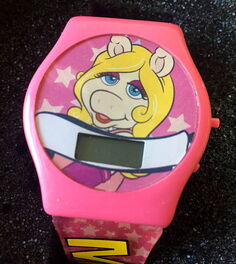Giftco miss piggy watch 1