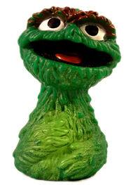 Topper 1971 oscar finger puppet a