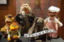 Smithsonian rowlf piano