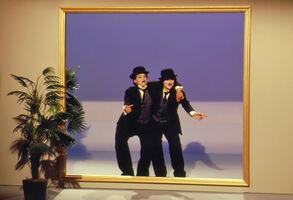 Chaplin Maria Linda mirror