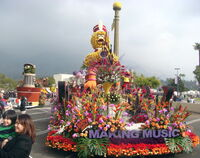 Roseparade2009a