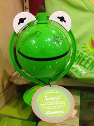 Kermit globe 2