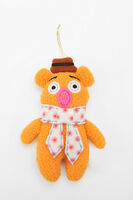 Urban outfitters fozzie ornament 2011-02