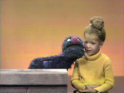 Grover and Loren count to 20