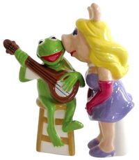 Westland giftware 2012 kermit piggy shakers