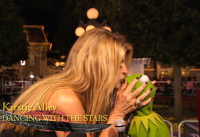 Kiss Kermit Kirstie Alley