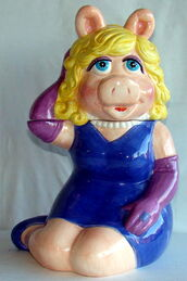 Treasure craft cookie jar miss piggy 1