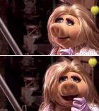 TheMuppets-(2011)-EarlessPiggy